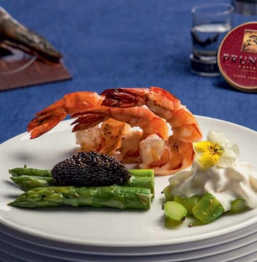 """Caviar Prunier """"St. James"""" avec asperges vertes et crevettes black tiger"""