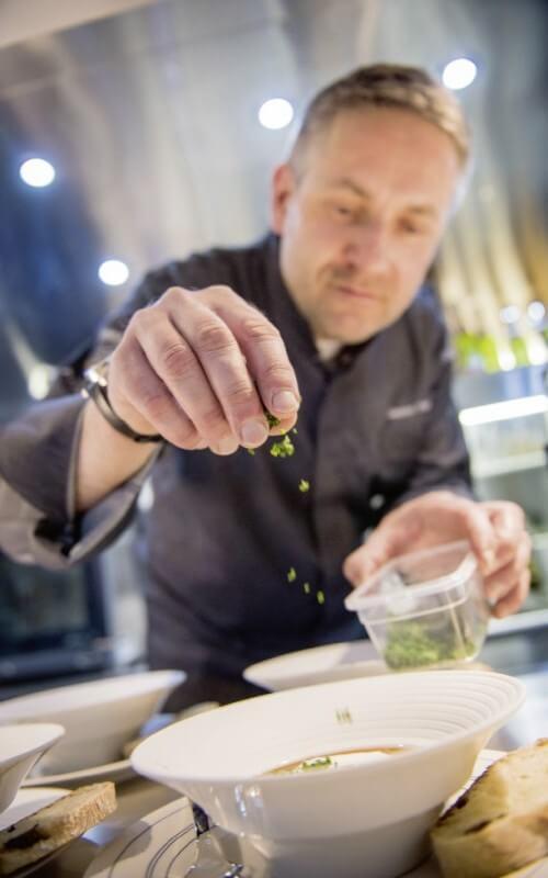 Service traiteur est le reflet de notre expertise, sublimé par un service sur-mesure signé Caviar House